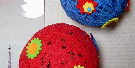 Декоративные шарики из волшебной паутинки