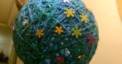 Декоративные шары из ниток
