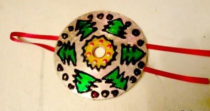 Игрушка на елку из… дисков
