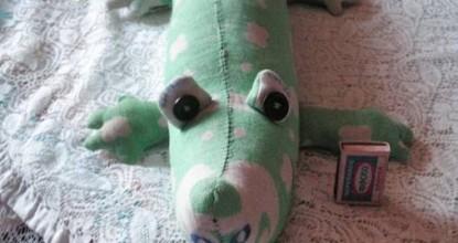 Крокодил из одеяла